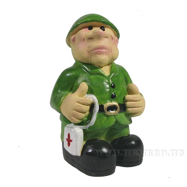 Фигура декоративная Солдат с аптечкой L4,5W4H8см оптом