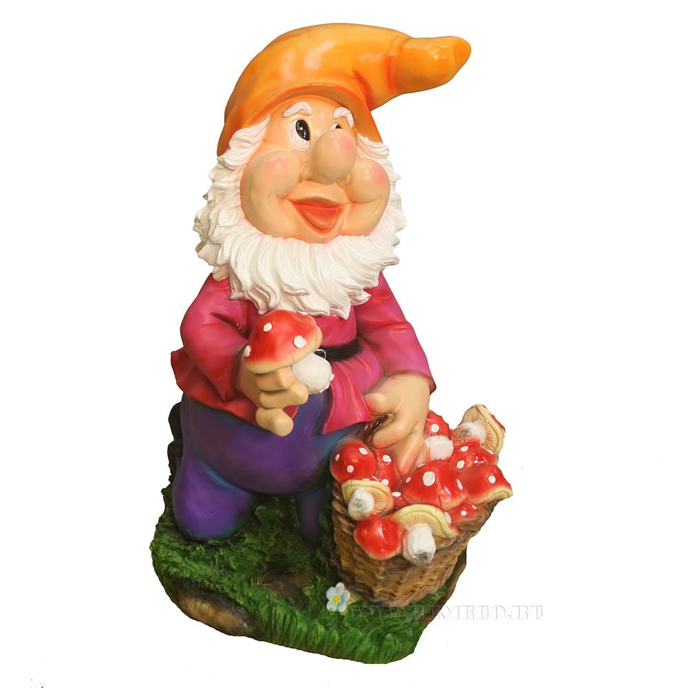 Фигура декоративная Гном с корзиной грибов L30W35H44см оптом