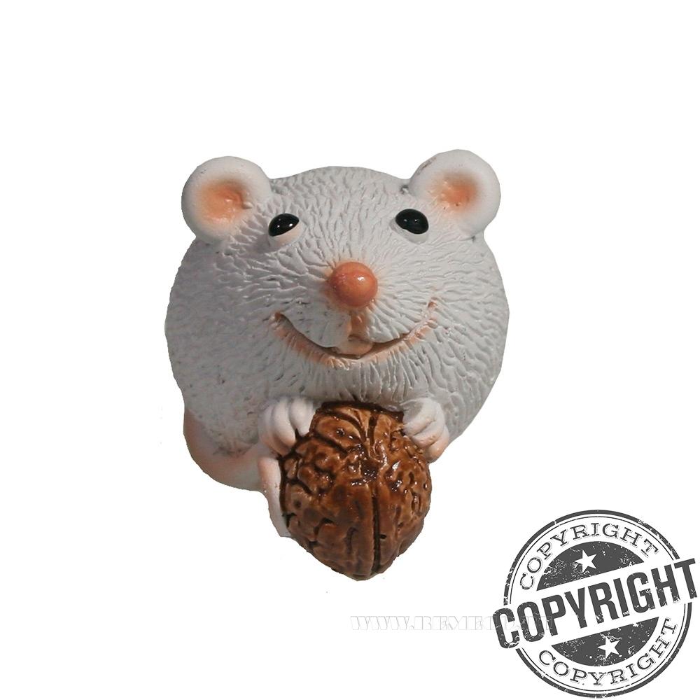 Фигурка декоративная Мышка с орешком (белый) L5,5 W3,5 H3,5 см оптом