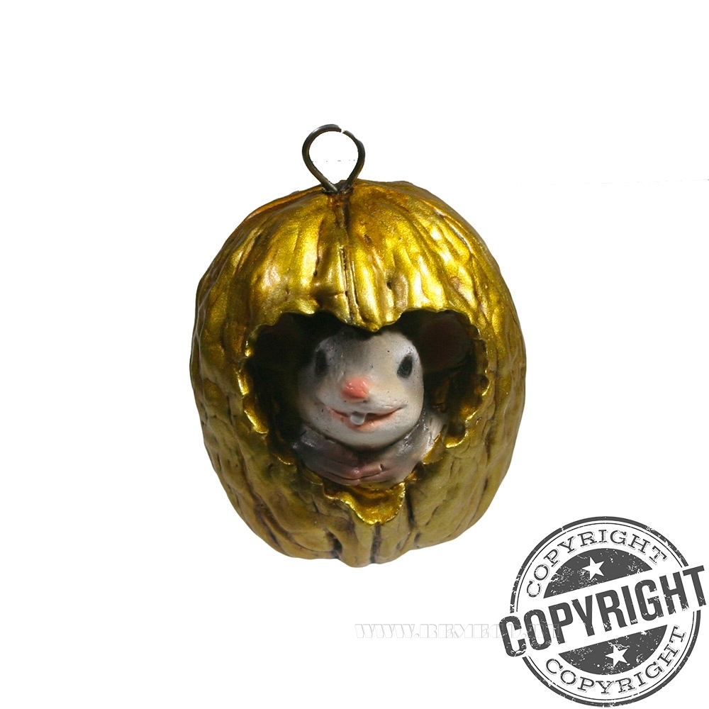Подвеска декоративная Серый Винни в орешке (золото) L5 W4 H4 см оптом