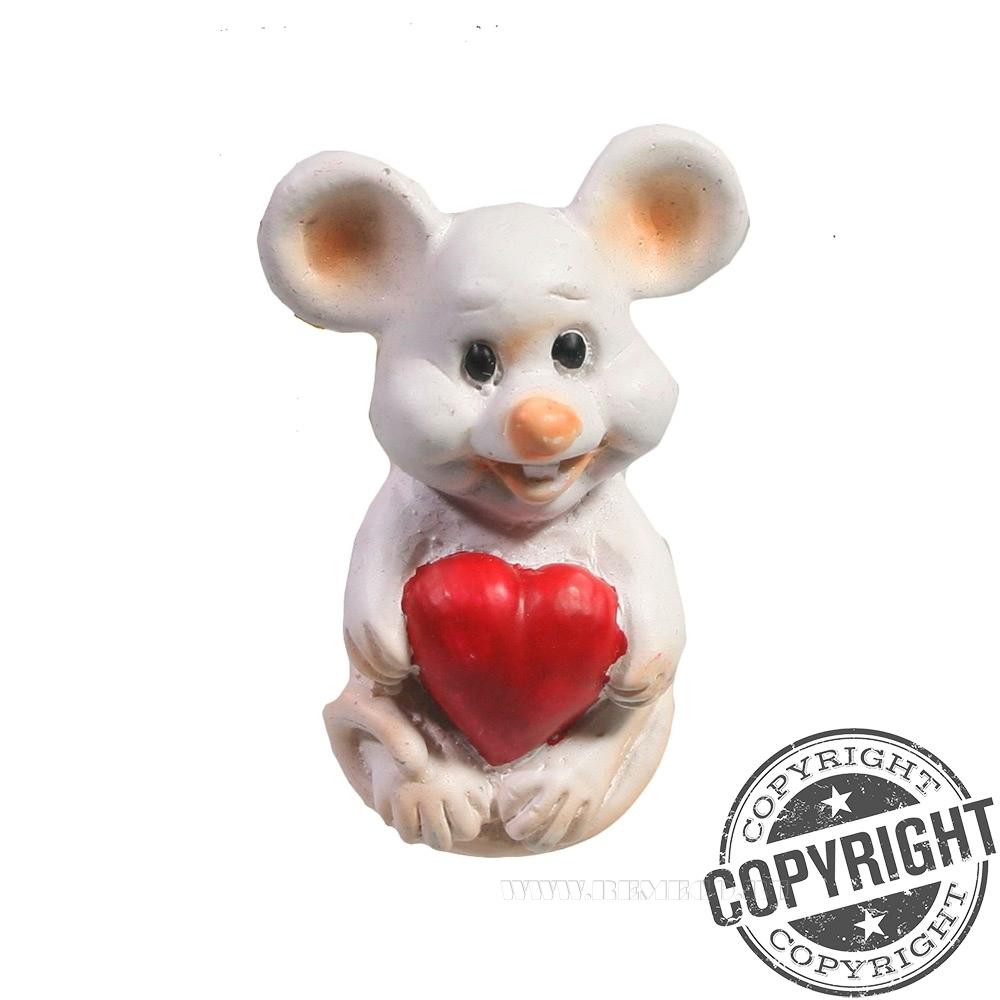 Магнит Мышонок с сердечком (белый) L3,5 W2 H5 см оптом
