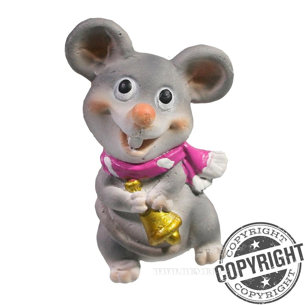 Магнит Мышь с колокольчиком (розовый шарф) L4 W2,5 H6,5 см оптом