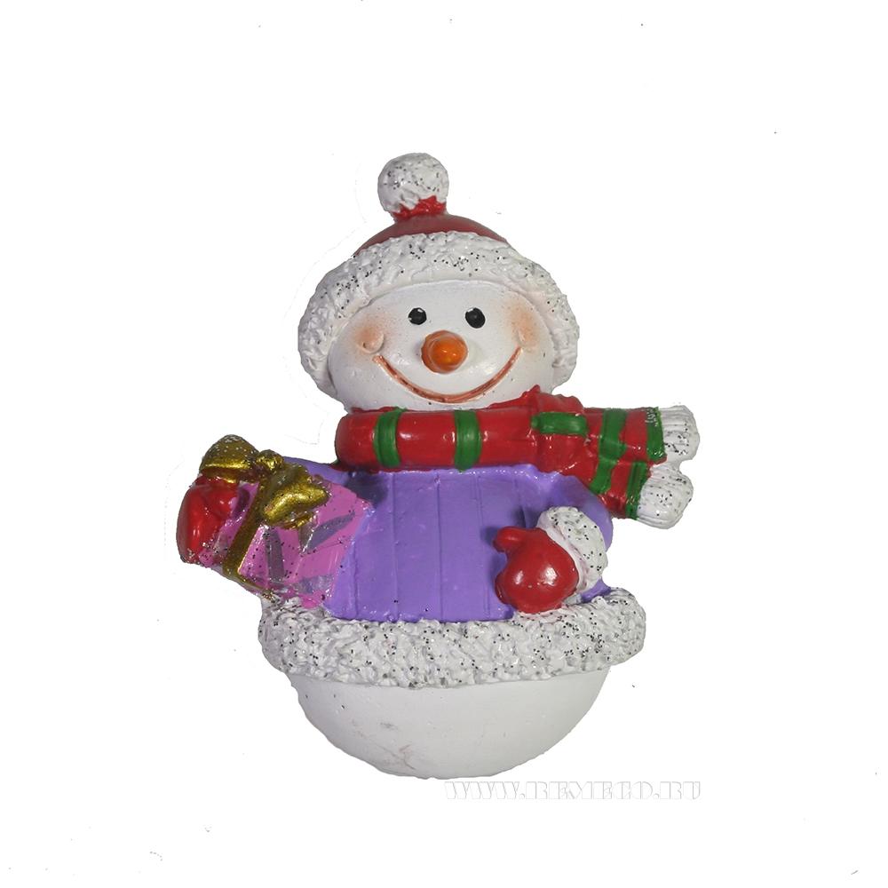 Магнит Снеговик с подарком оптом