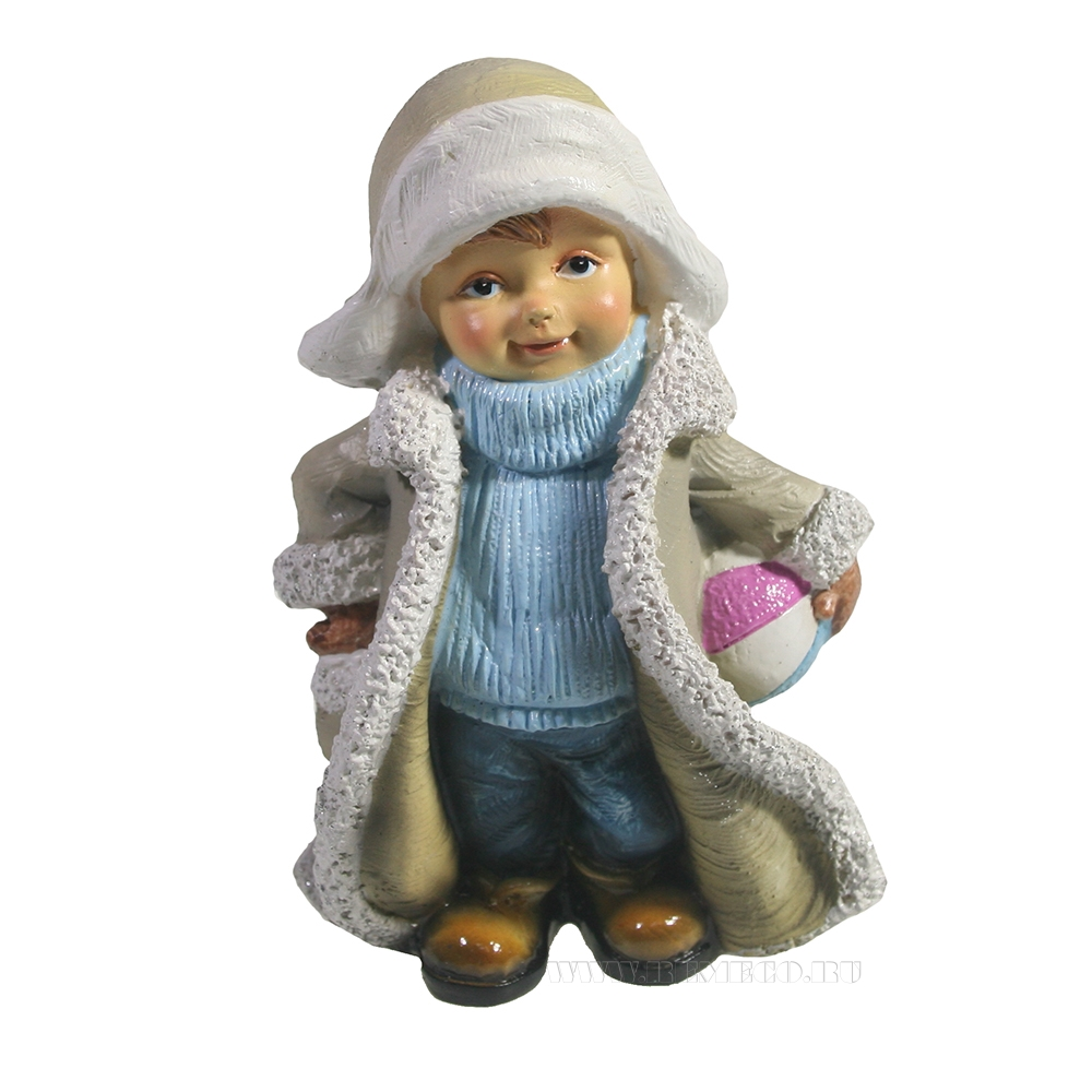 Фигура декоративная Мальчик в тулупе с мячиком L6W9H13,5 оптом