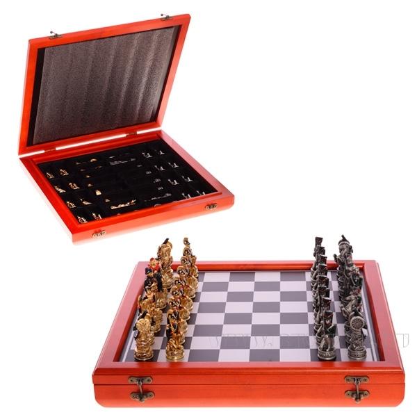 Шахматные фигурыРусские и французы, L40 W40 H6 см оптом