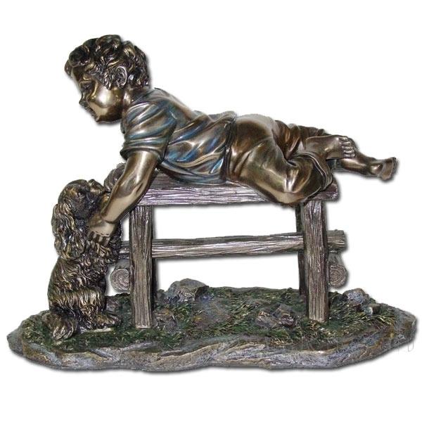 Фигурка декоративная Ребенок и собака, 30x13x22 см оптом
