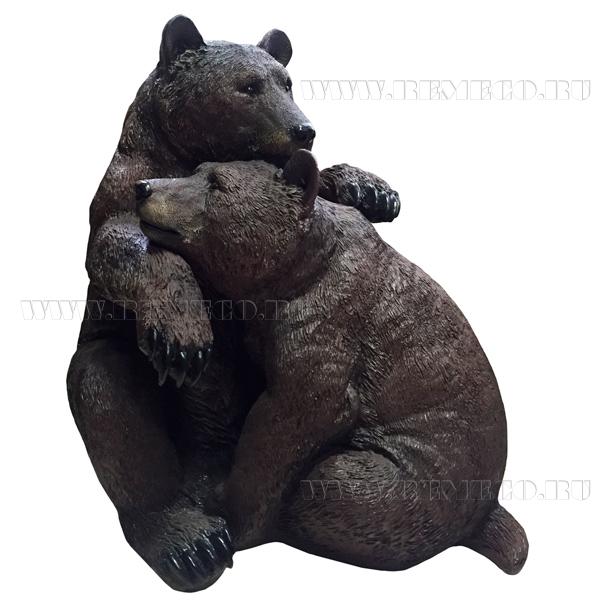 Фигура декоративная Медведи обнимаютсяL53*W32H52 оптом