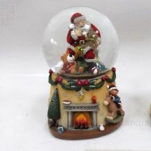 Фигурка декоративная в стеклянном шаре (с генератором вьюги), L11W11,5H15,5см