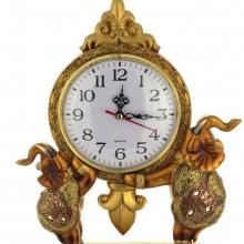 Часы и подсвечники